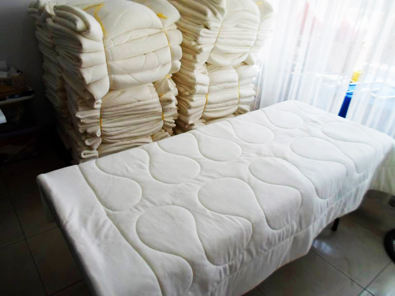 Detalles tere fabricantes de ropa confeccionistas de for Implementos de restaurante